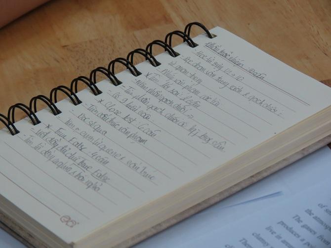 Mỗi bạn tự ghi chú lại vào sổ tay của mình.
