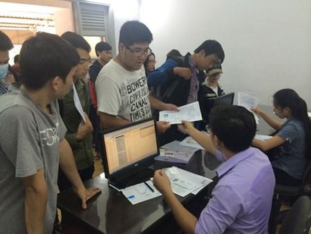 TS nộp hồ sơ ĐKDT tại Cơ quan đại diện Bộ GD-ĐT tại TP.HCM